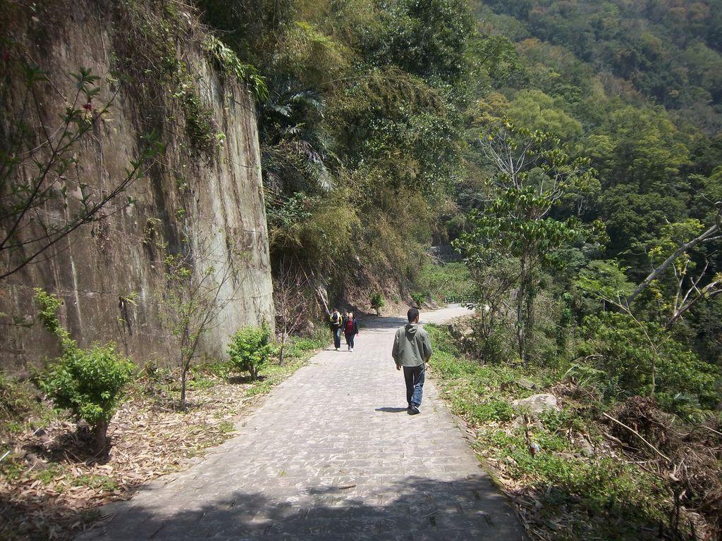 往蓬萊瀑布步道