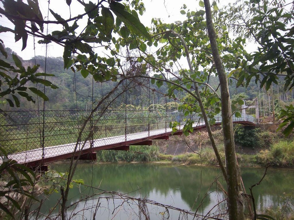 吳秋金吊橋(南投)