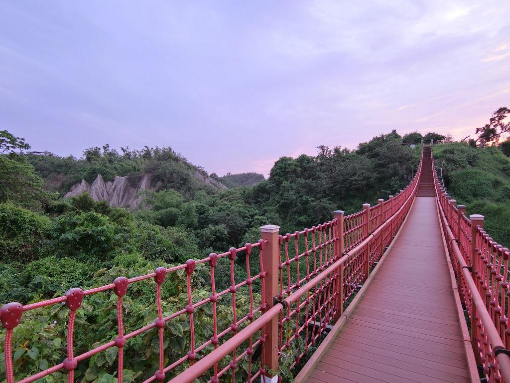 漯底山吊橋、月世界地形