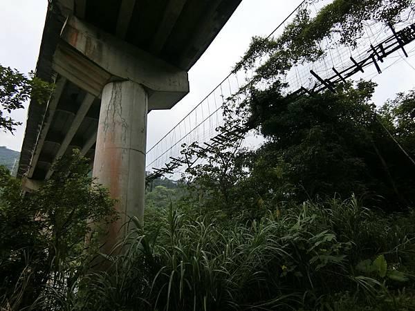 南昌大橋、南昌吊橋