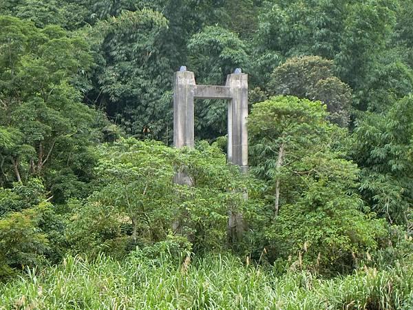 岩溪吊橋 遺跡(梅山)