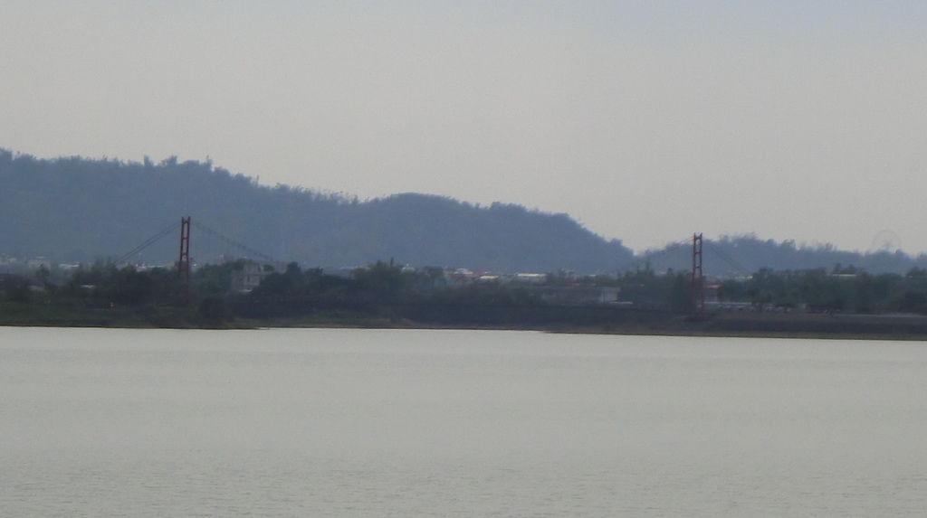 日昇蓬萊吊橋