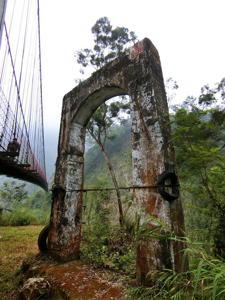 天長吊橋旁 舊吊橋遺跡
