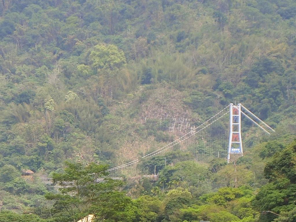 福美吊橋上望向達娜伊谷吊橋