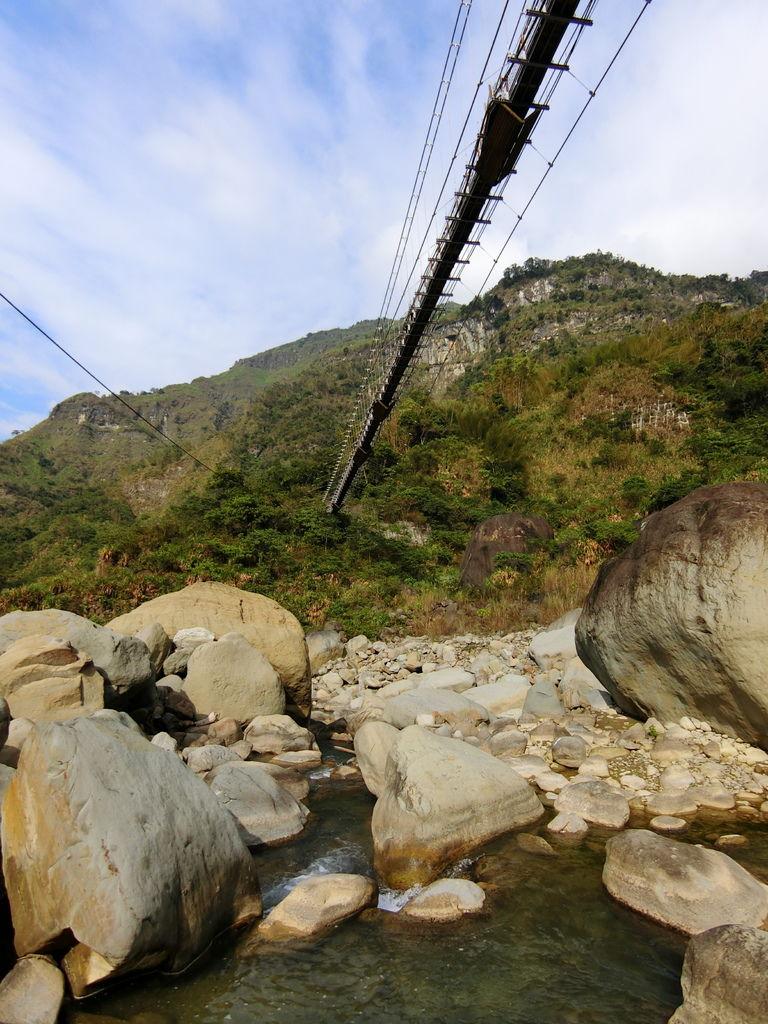 達娜伊谷吊橋(山美村)