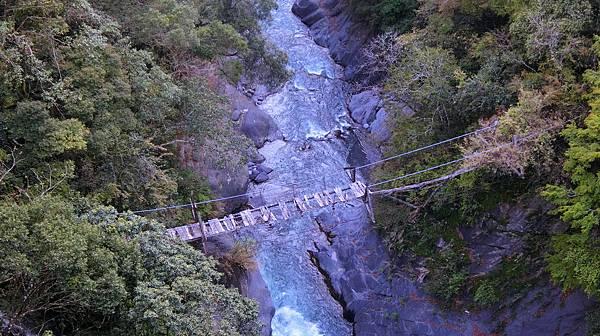 平和吊橋下舊吊橋