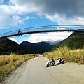 白鹿吊橋全景
