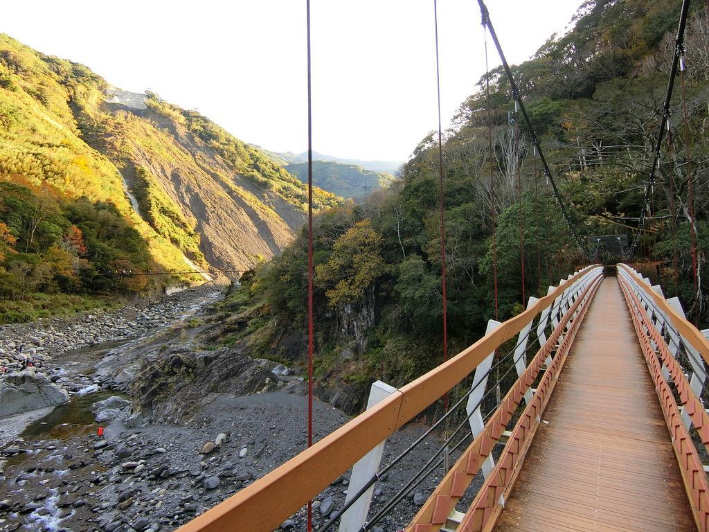 軍艦岩吊橋&控溪吊橋(尖石)
