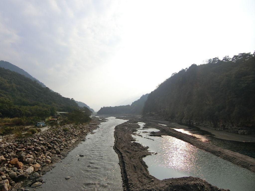 永興吊橋下濁水溪