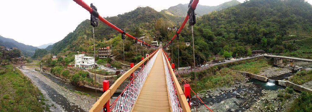 清泉一號吊橋橫幅全景