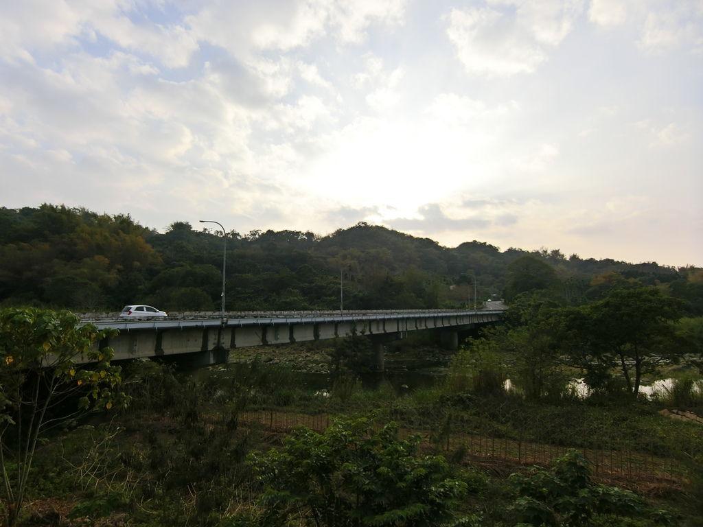 中正橋(中寮)