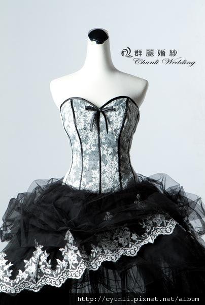 8477禮服~高雄群麗婚紗攝影