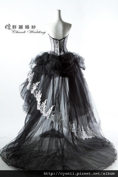 8483禮服~高雄群麗婚紗攝影