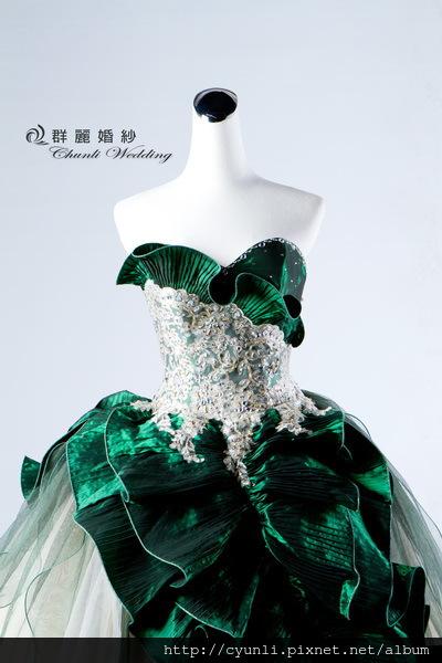 8512禮服~高雄群麗婚紗攝影