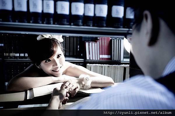 高雄婚紗新人企劃式主題攝影-書中自有顏如玉,群麗婚紗:07-2363677