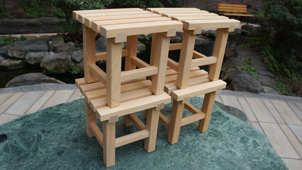 高級台灣檜木浴室小方椅 -- 有縫