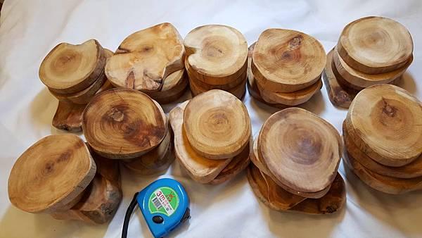 黃檜樹根切塊