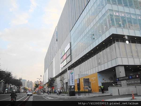臺南市東區 : 南紡夢時代購物中心