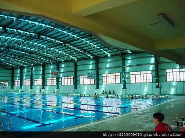 六甲國中游泳池2015