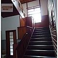 樓梯-明章榻榻米.JPG