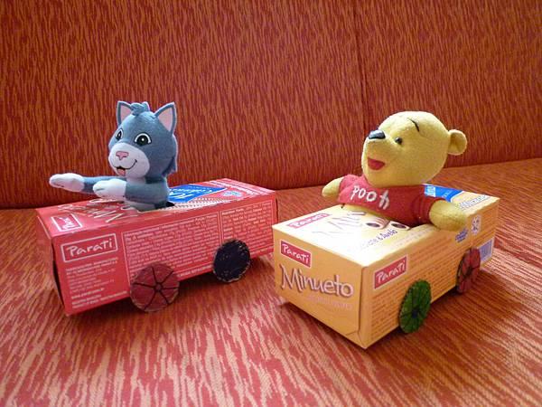娃娃們的車車