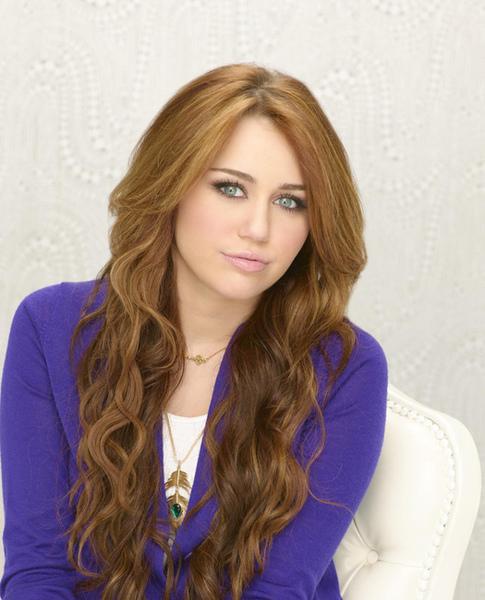 Hannah-Montana-Forever-10.jpg