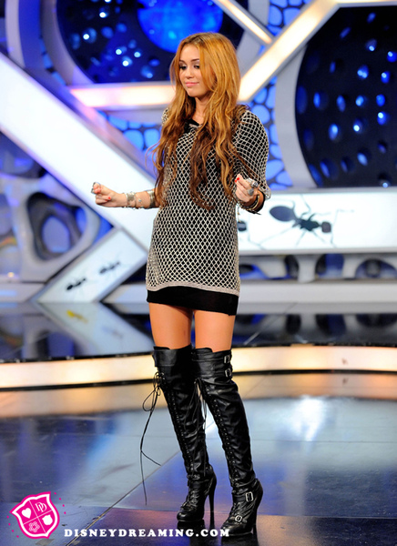 miley-cyrus-boots.jpg