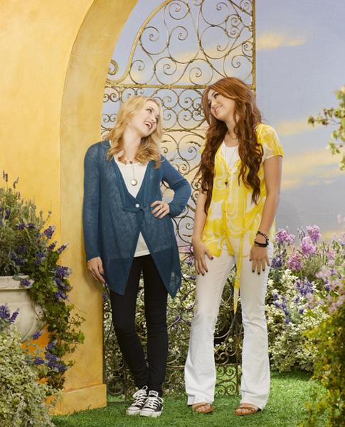 Hannah-Montana-Forever-2.jpg