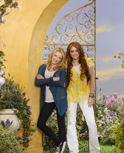 Hannah-Montana-Forever-1.jpg