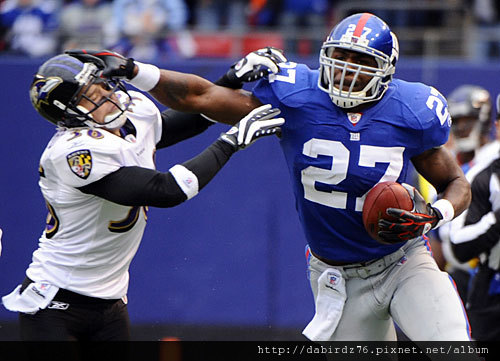 NFL_Brandon-Jacobs_4-2