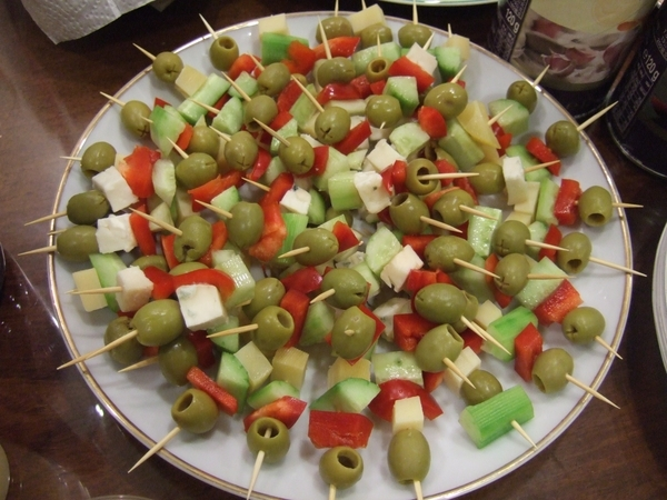 olive+cheese+tomato+cucumber