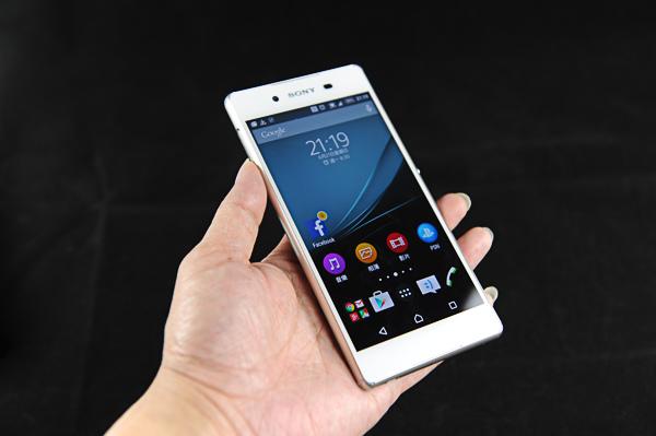 Sony Z3+ 康寧玻璃+包膜-130