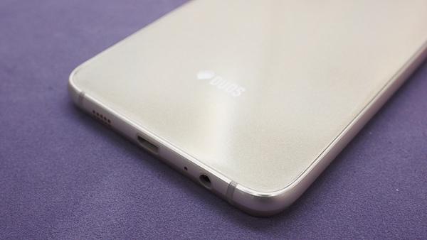 S6 edge plus 開箱、全機包膜、滿版保護貼-69