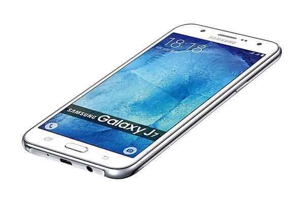 主打年輕市場、平價不凡的Galaxy J7,獲9月單機銷售之冠