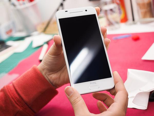 HTC A9 開箱、保護貼-92
