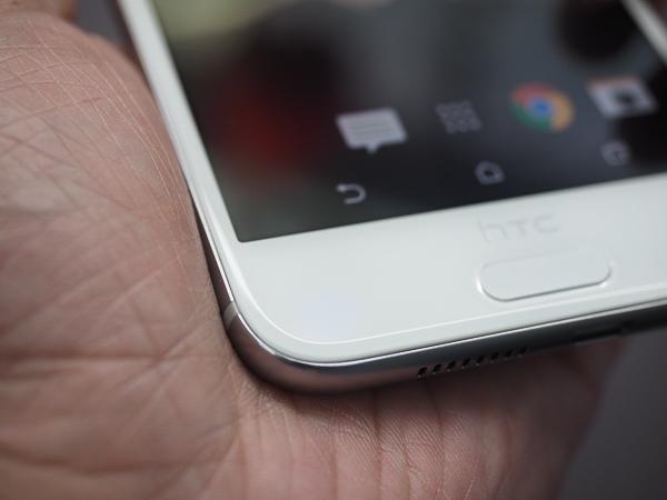 HTC A9 開箱、保護貼-47