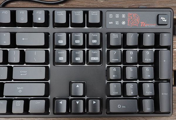 Tt  RGB 機械式電競鍵盤-217