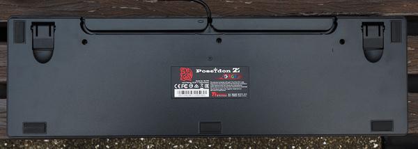 Tt  RGB 機械式電競鍵盤-242