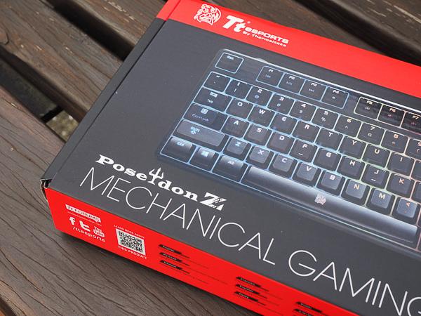 Tt  RGB 機械式電競鍵盤-203