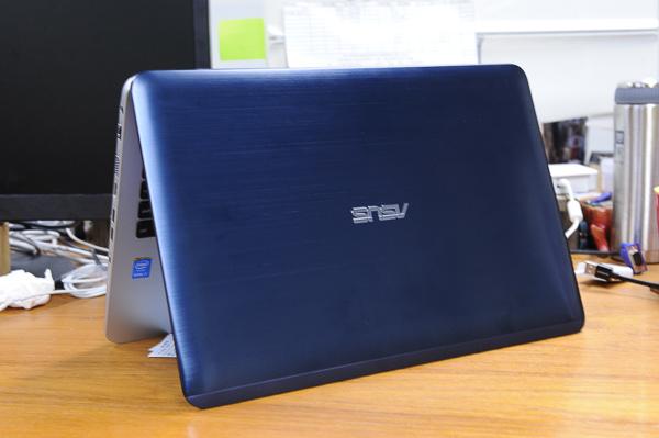 ASUS Vivobook 4k-74