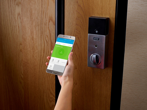 直接用手機當成鑰匙解鎖開啟家門,並啟動一系列個人專屬的回家模式設定