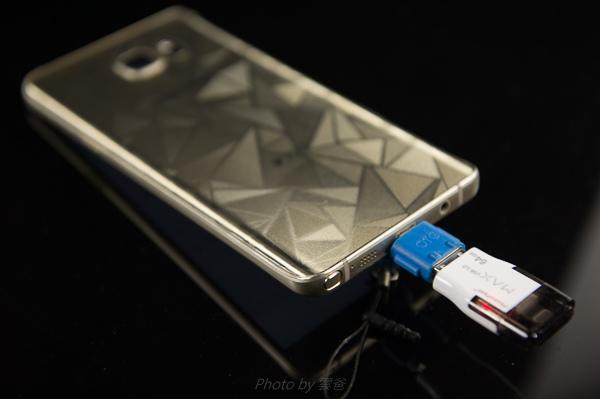 PhotoFast 蘋果microSD讀卡機-97