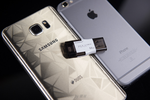 PhotoFast 蘋果microSD讀卡機-77