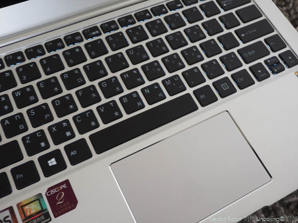 CJScope Z-230開箱,最像Macbook Aair的筆電-19