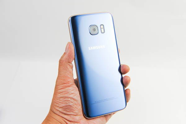 開箱 Galaxy S7 edge 冰湖藍-31