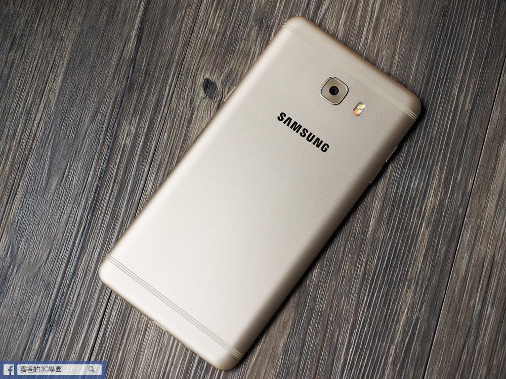 手遊專用! 6G Ram、超長續航力 - Samsung C9 Pro 開箱、評測、遊戲實測-26