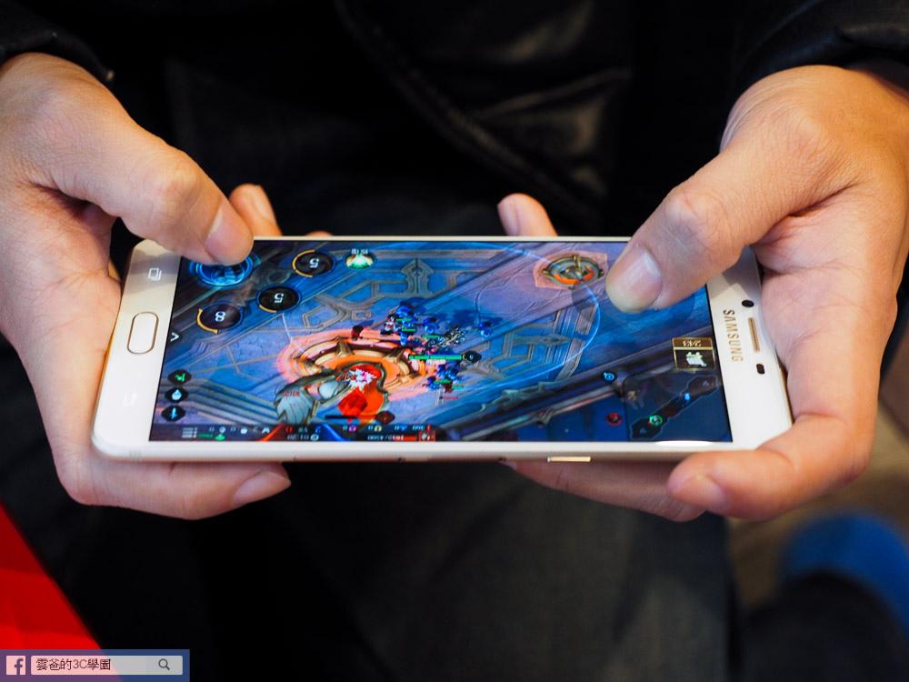 手遊專用! 6G Ram、超長續航力 - Samsung C9 Pro 開箱、評測、遊戲實測-102