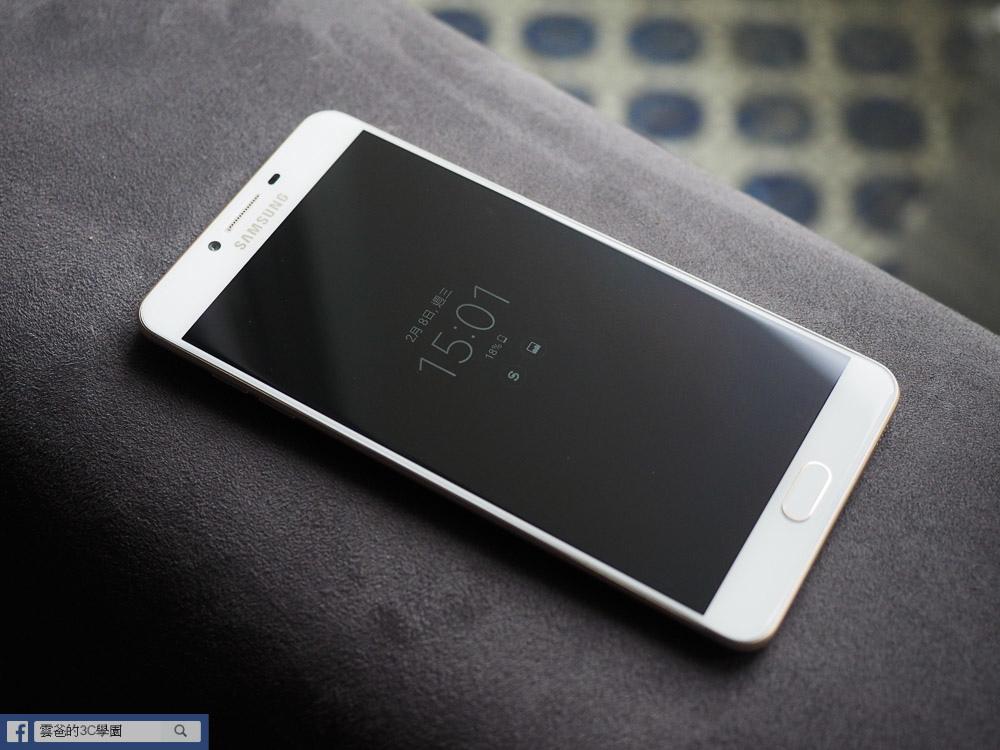 手遊專用! 6G Ram、超長續航力 - Samsung C9 Pro 開箱、評測、遊戲實測-4