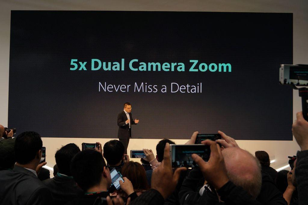 thumbnail_OPPO 於2017 MWC大會上發表全球首創「5倍雙鏡頭變焦」技術