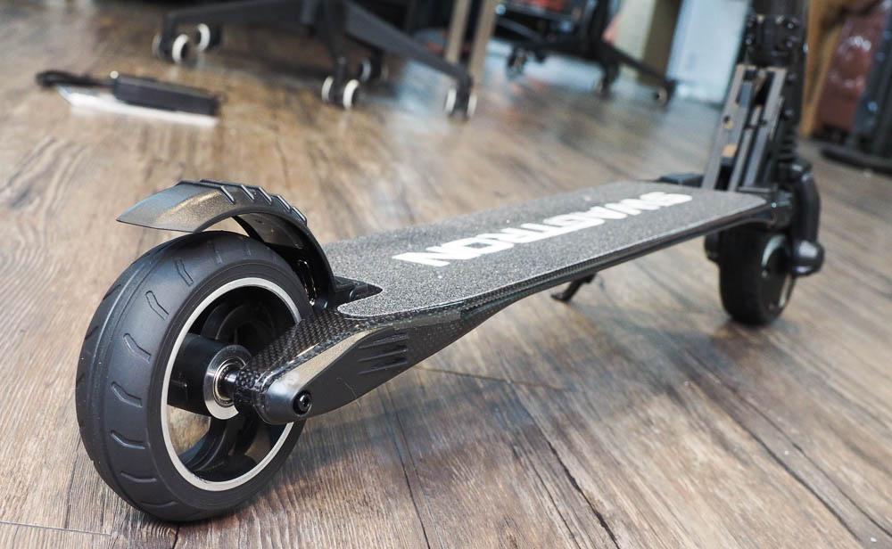 SWAGGER 碳纖維電動滑板車-66